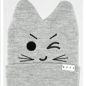 NWT 🆕Neff Grey Kitty Beanie😻